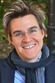 Erica Chenoweth Receives Karl Deutsch Award