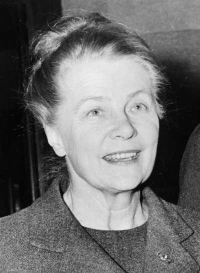 Alva Myrdal, Research, and Nuclear Disarmament