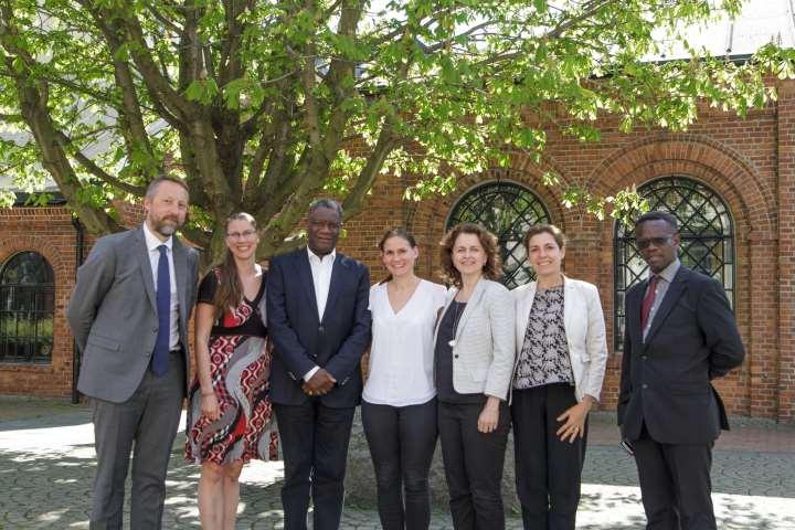 Group picture Mukwege visit.jpg