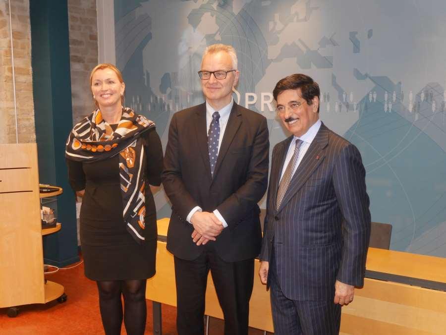 Hamad Al Kawari visits PRIO