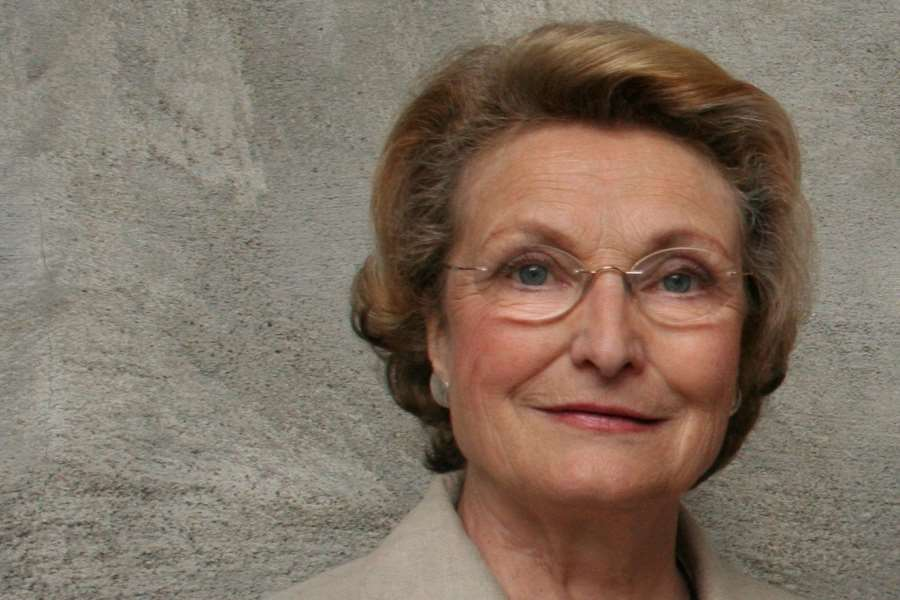 Helga Hernes becomes honorary member of the Norwegian Association for Women's Rights