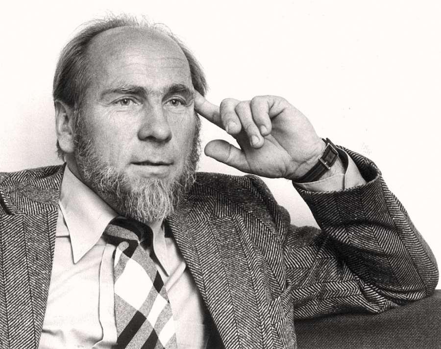 Arne Martin Klausen 1927 - 2018