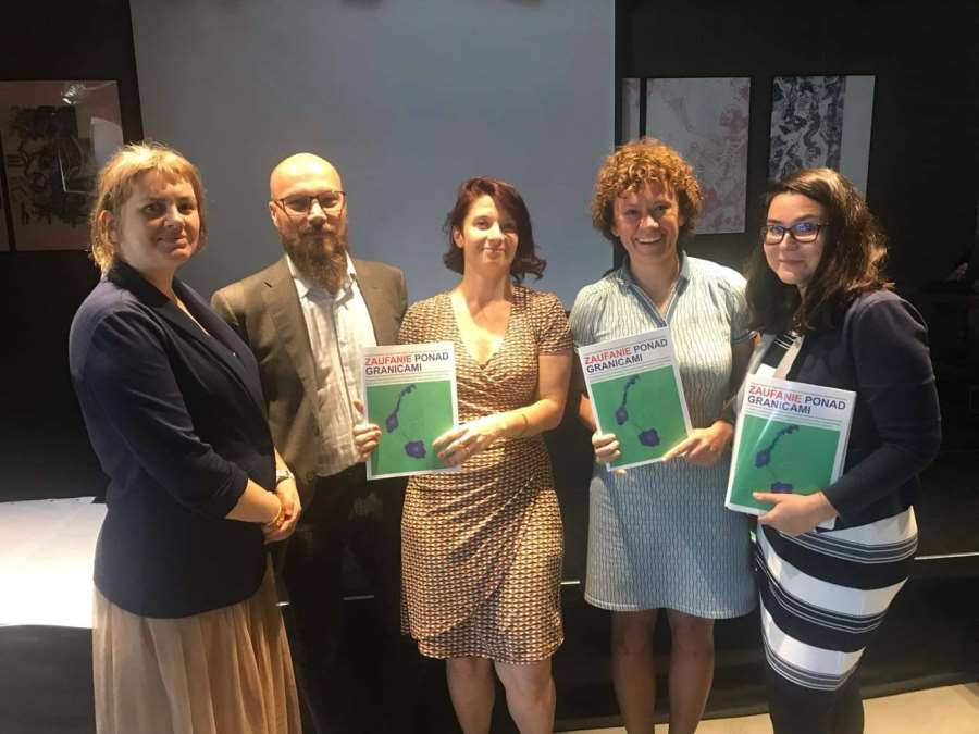 'Trust Across Borders: A Review of the Literature on Trust, Migration and Child Welfare Services' Promoted at  VIII Integration and Migration Forum in Gdańsk, Poland