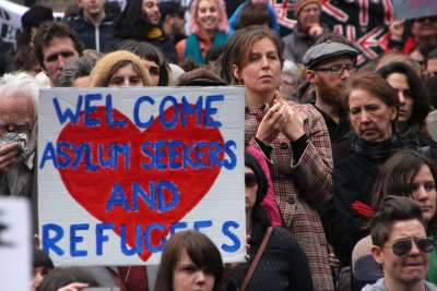 When the storm subsides: what happened to grassroots initiatives assisting refugees?